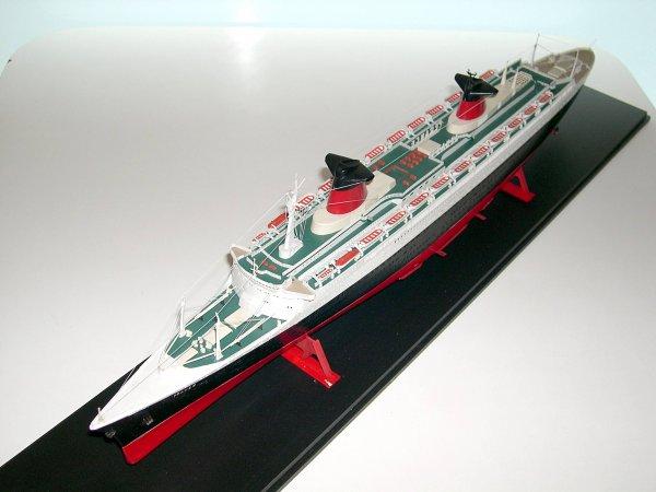 Maquette paquebot FRANCE  Briffault 1/450°  -  Model Ocean Liner FRANCE by Briffault scale 1/450°
