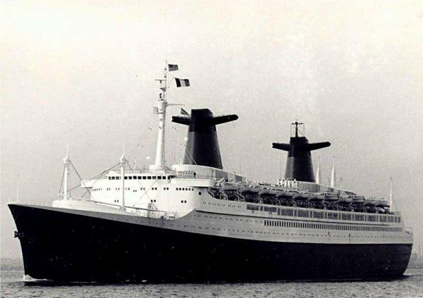 SS FRANCE fin des années soixante NEW YORK