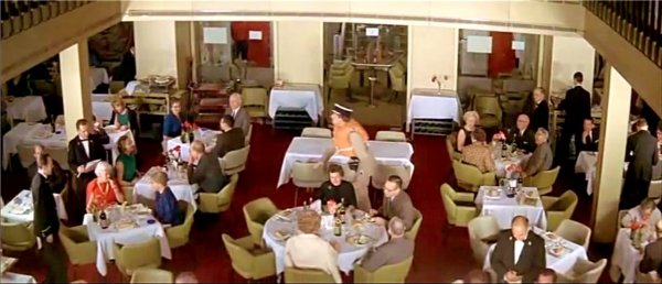 Ss france dans le film le gendarme new york 3 for Salle a manger york
