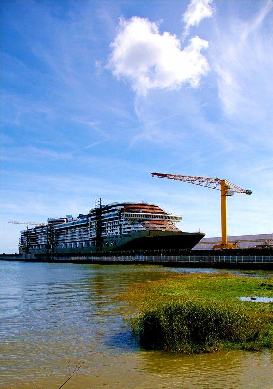 Saint Nazaire 28 août 2011 : construction du paquebot MSC DIVINA