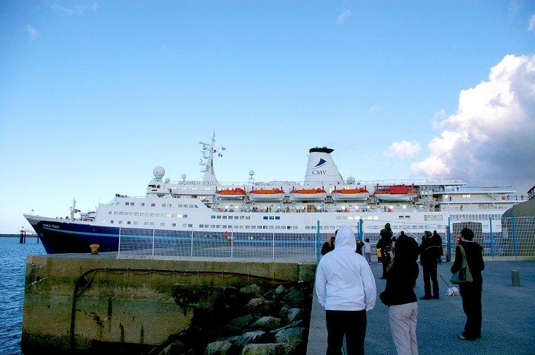 Sur les traces du RMS TITANIC autour de la Grande Bretagne et de l'Irlande.