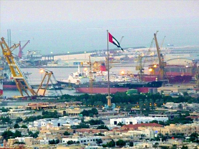 Le paquebot Queen Elizabeth 2 ou QE2 est en cale sèche à Dubaï