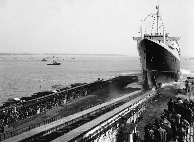ss NORMANDIE & ss FRANCE  (2)