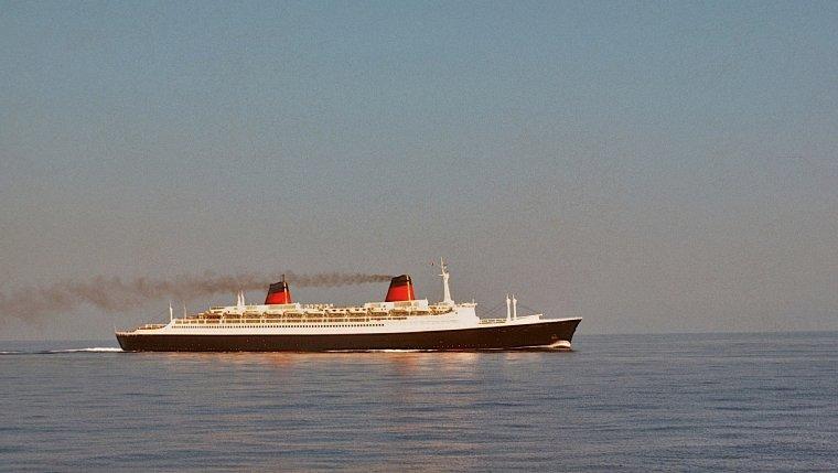 ss FRANCE à Gibraltar