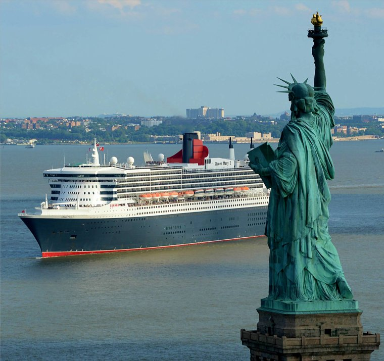 ADVENTURE of the SEAS       &    QUEEN MARY 2