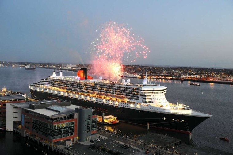 CUNARD QM2 175th ANNIVERSARY CROSSING : LIVERPOOL 04/07/2015 ( 2 )