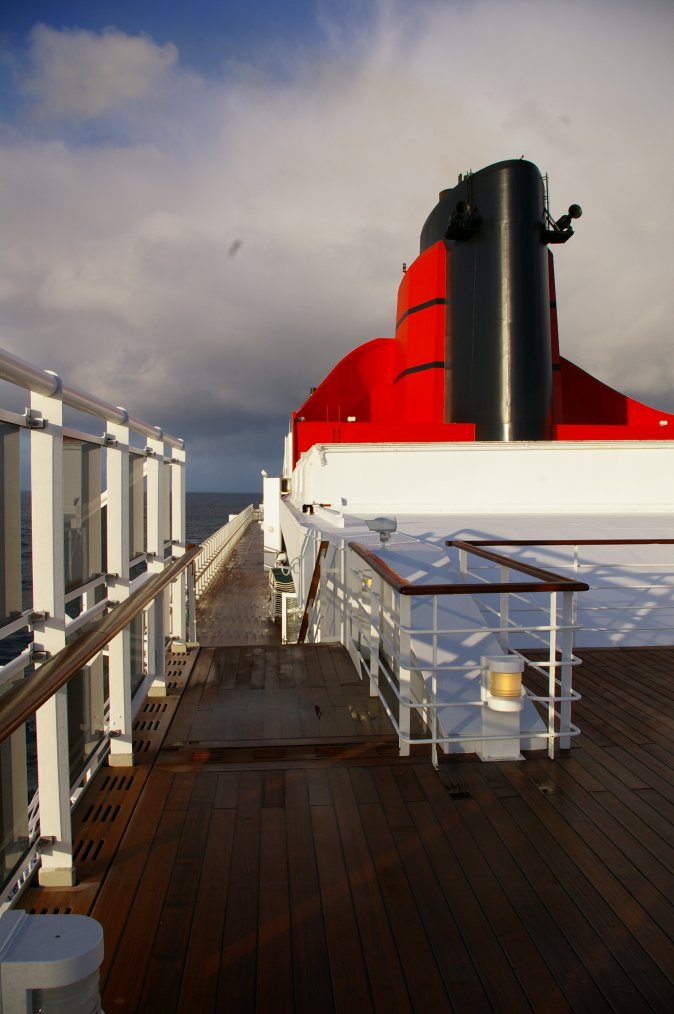 CUNARD QM2 175th ANNIVERSARY CROSSING : AT SEA  06/07/2015