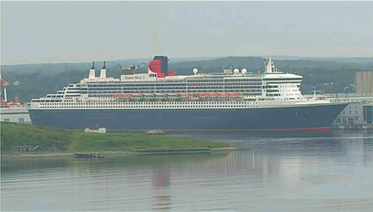 CUNARD QM2 175th ANNIVERSARY CROSSING : HALIFAX 10/07/2015 (1)