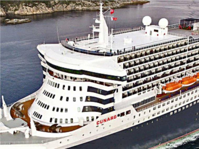 "CUNARD Queen Mary 2 - 27 mai 2016 - Hamburg - travaux de ""remastérisation"" (3)"