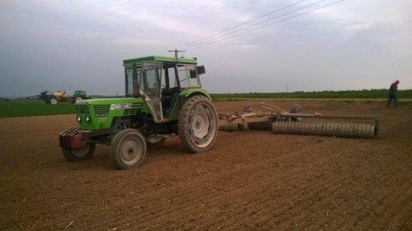 doublé de deutz avec l'agrotron 150 avec pulverisateur caruelle 320s de 28m dans le blé et roullage d'orges avec d72 06
