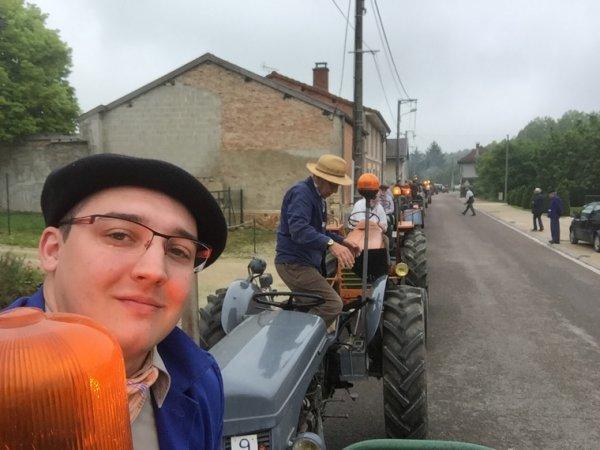 Défiler de tracteur pour les 40 ans du musée de la bertauge
