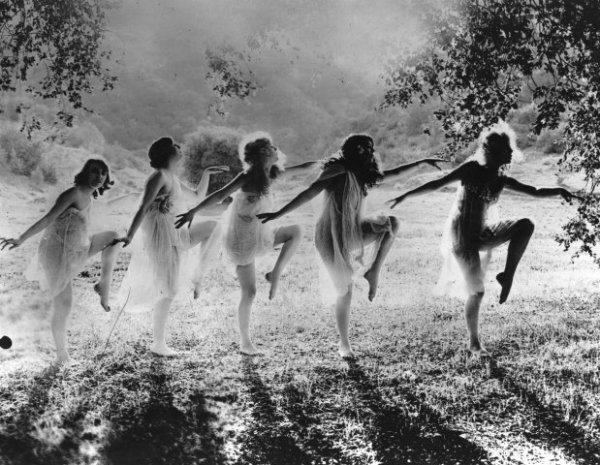 Ici danse Melpomène..