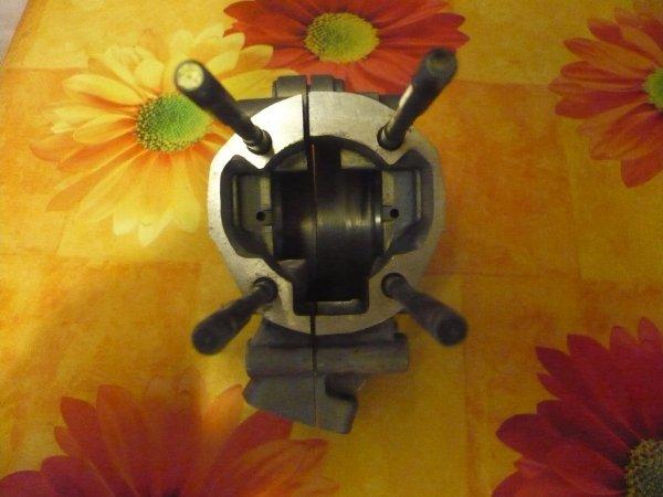 Vend une autre paire de carters MBK 51 Conti pour soie de 20 photo1    80 euros