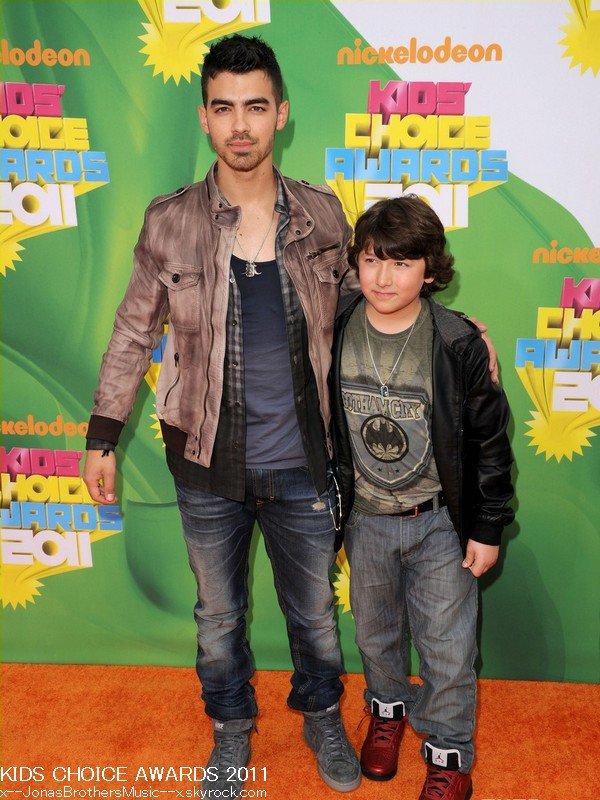 . 2/04/11 Joe & Frankie étaient présents aux KCA 2011 à L.A. Ils n'ont remporté aucun prix. .