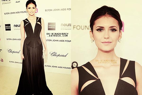 EVENT • Nina en compagnie de son cher et tendre Ian étaient présents à une after party des Oscars 2012 organisée par Elton John. Elle est magnifique, son make-up, sa robe & sa coiffure *o*