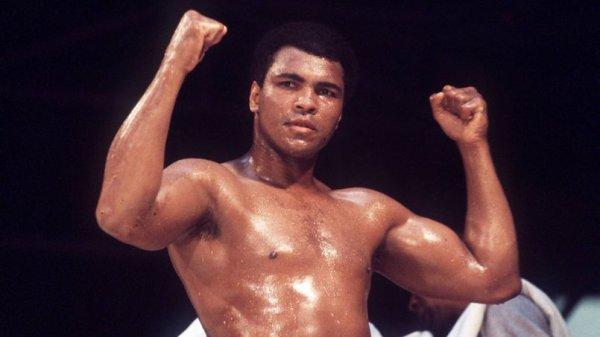 RIP Mohamed Ali : le champion de boxe s'est éteint à l'âge de 74 ans