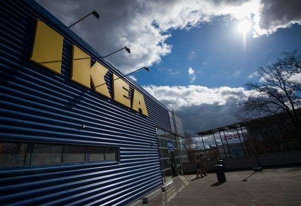 Cauchemar pour Ikea: les soirées pyjama sauvages se multiplient dans ses magasins