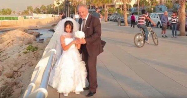 Mariée de force contre de l'argent, cette petite fille de 8 ans est morte après sa « nuit de noces ».