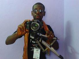MEILLEUR MONTEUR VIDEO-CADREUR Salim Diallo fait partir désormais en Côte d'Ivoire et même en Afrique de l'ouest comme l'un des meilleurs Monteur de clip -film et surtout bon cadreur