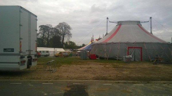 le village du cirque pelouse de Reuilly