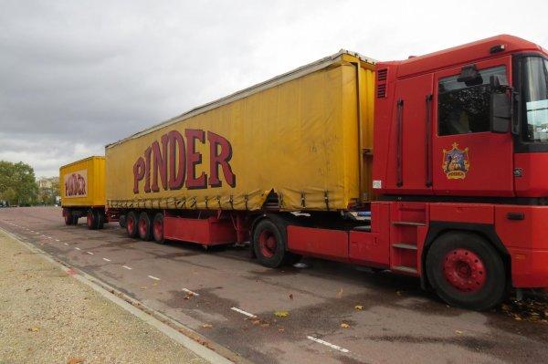 arrivée de Pinder à Paris
