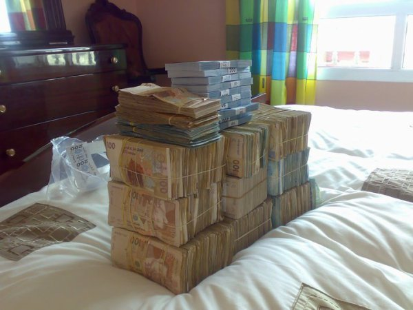 Héééé l'argent quand tu me tiens!!!!