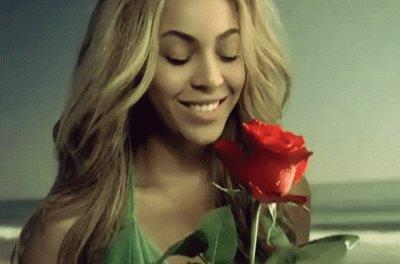 Beyonce en couverture du magazine ESSENCE de juillet 2011