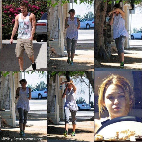 -  Le 13 Septembre 2010, Le couple MIAM est de RETOUR ! Alors content souhaitons leurs beaucoup de bonheur : )   -  Notre belle Miley à été aperçu quittant la gym avant d'aller voir Liam !