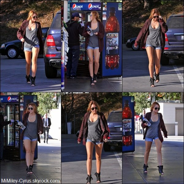 -  Le 14 Septembre 2010, Miley s'achetant une bouteille d'eau dans une station service ! -  Miley a ressorti le short ! Normal il fait beau presque tous les jours chez elle ...