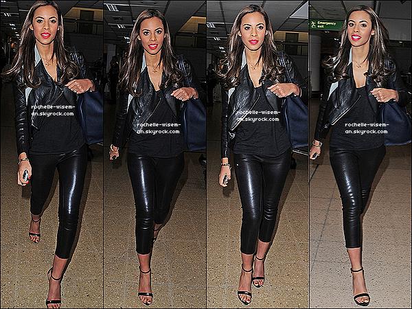 . 08/04/12 : Rochelle a été vue arrivant seule à l'aéroport d'Heathrow , pour aller je ne sais où ou cherche qqun. Rochelle était vraiment très jolie dans cette tenue toute de cuirmaisj'aime particulièrement son rouge à lèvre que sa tenue. .