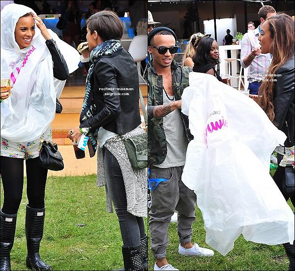 . 07/07/12 : Rochelle avec Marvin , Aston , Frankie , Tulisa et Nessa étaient au« Wireless Festival » à Hyde Park. Roch' asûtrester élégante en ce jour de pluie avec ce parka. J'aime beaucoup sa combi , et j'ai un coup de ♥ pour Frankie. .