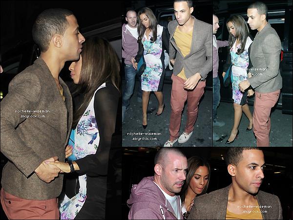 . 22/04/12 : Rochelle , accompagné de son fiancé Marvin Humes , se sont rendus à l'«Aura Nightclub » , Londres. C'est vraiment rare mais je n'apprécie pas particulièrement la tenue que porte Rochelle , je trouve que ça la vieillit beaucoup. .