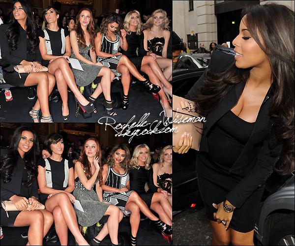 . 16/02/13: Hier Rochelle et les filles assistaient au défilé de Julien MacDonald au Goldsmith's Hall pendant la LFW. Elles étaientassissentau coté de Pixie Lott. Je trouve qu'elles étaient vraiment très belles, surtout Rochelle, Mollie et Frankie.  .