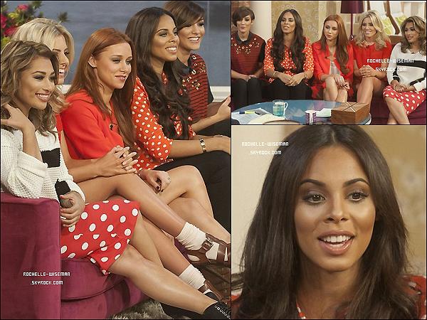 . 25/02/13 : Rochelle ainsi que les filles étaient les invitées spéciale de l'émission anglaise«This Morning» . Je les trouve vraiment toutes très belles avec ce lien de rouge sur chacune d'entre-elles.J'adore les tenues de Mollie et Una .