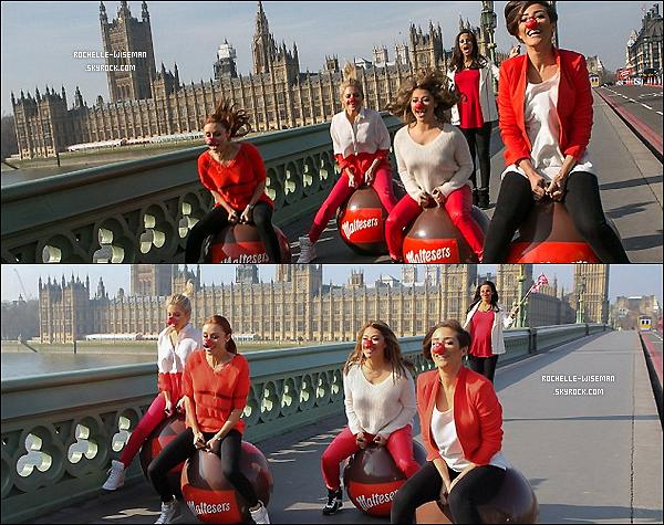 . 04/03/13 : Rochelle, bien enceinte, et les filles se sont rendues dans les studios de la BBC radio 1, à Londres. Voici aussi un shoot que les filles ont fait dans la même semaine toujours pour le Red Nose Day. Je les trouve superbes. ♥ .