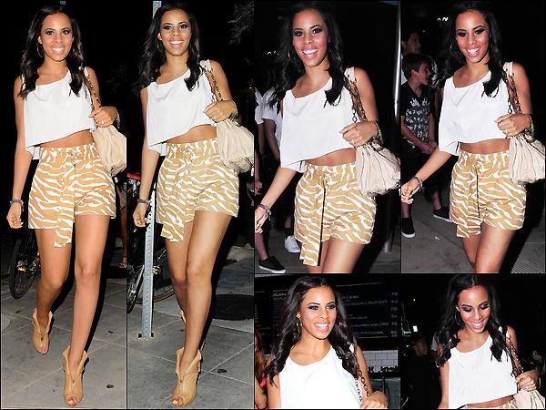 . 05/04/2011: Notre belleRochelleet les filles ont été vues sortant du restaurant« Akasha» à Los Angeles ... ..