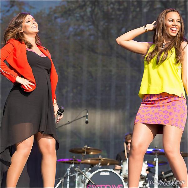 . •●Notre belle maman et le reste du groupe, s'est rendue le7 juiller 2013au British Summertime à Hyde Park, dans le cadre du festival où elles interprétaient quelques chansons. Je trouve Mollie et Una vraiment superbe ainsi que Roch. avis ?