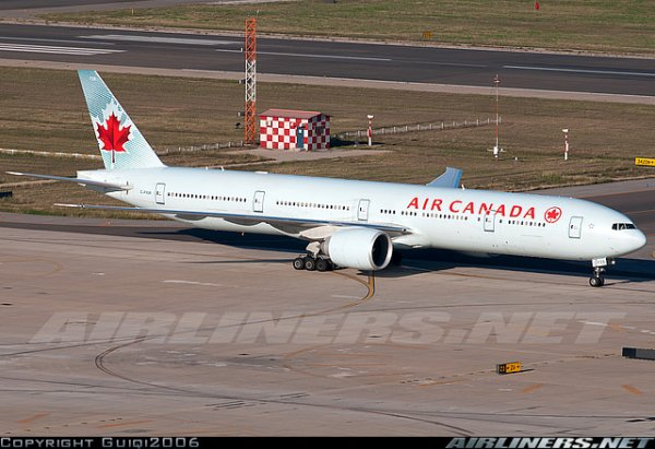 a 330 , boeing 777 et dc8 air canada