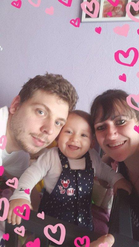 ma petite princesse avec son papa et sa maman (mes amours)