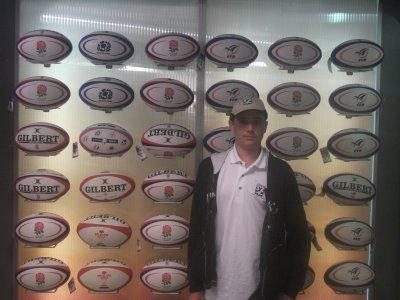 Ehhh me voici au au Stade de france qui étais mon rêve et ont vois aussi mas passions sur ces photos qui est le rugby et j'adore sa et personne de me diras le contraire sur sa que le rugby est une sport brutal masi j'aime sa :D Et voil merci