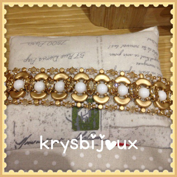 N•44 bracele