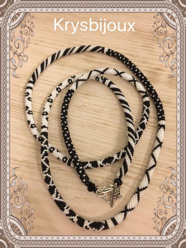 Spirale crochet noir et blanche 35¤
