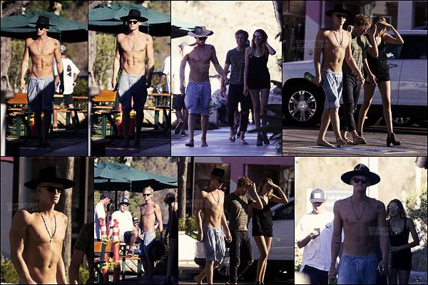 20/10/16 - Le chanteur Cody Simpson a passé une journée à la plage avec ses amis,  c'était à Los Angeles, en Californie. + More Infos ------Cody travaille toujours beaucoup en studio sur son nouvel album qui devrait sortir prochainement. Affaire à suivre !