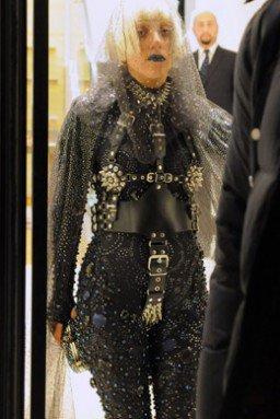 Lady Gaga : ses  looks les plus déjantés de l'année de cette année  !