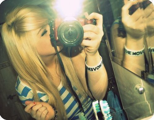 $ Photo $