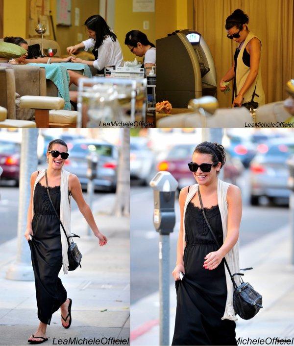 2 Mai 2012. Léa & Cory ont été vue à la sortie d'un restaurant.