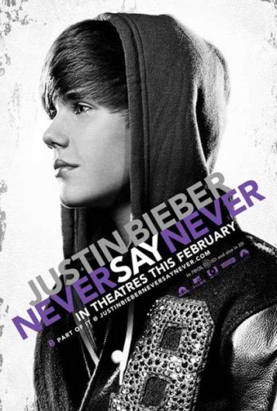 Un simple adolescent, une voix en or, un rêve, un succès, des millions de fans un album, un film... ♥