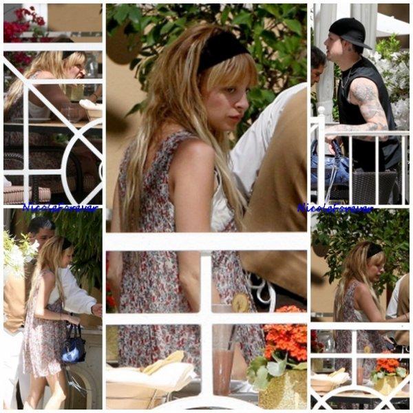 23 Mars 2009 - Nicole et joel allant déjeuner au restaurant/Hotel Four Seasons