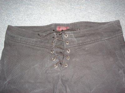 pantalon à lacet