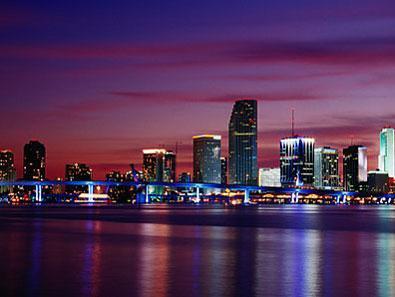 """[ """"Deux magnifiques photos de nuit sur """"Miami"""" ]"""